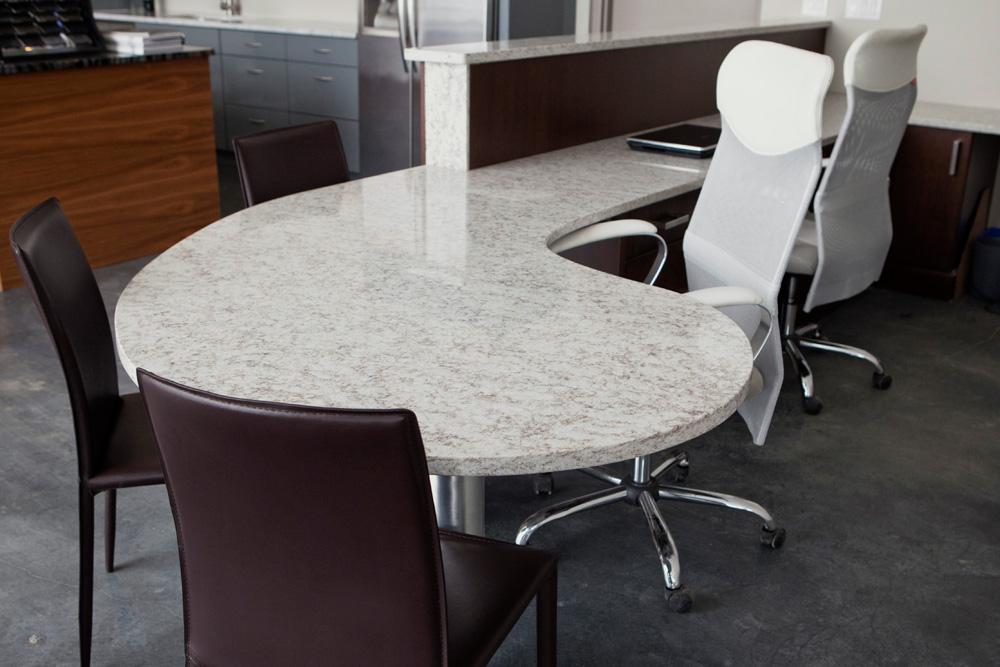 Desk- Hanstone Indiana Pearl 1